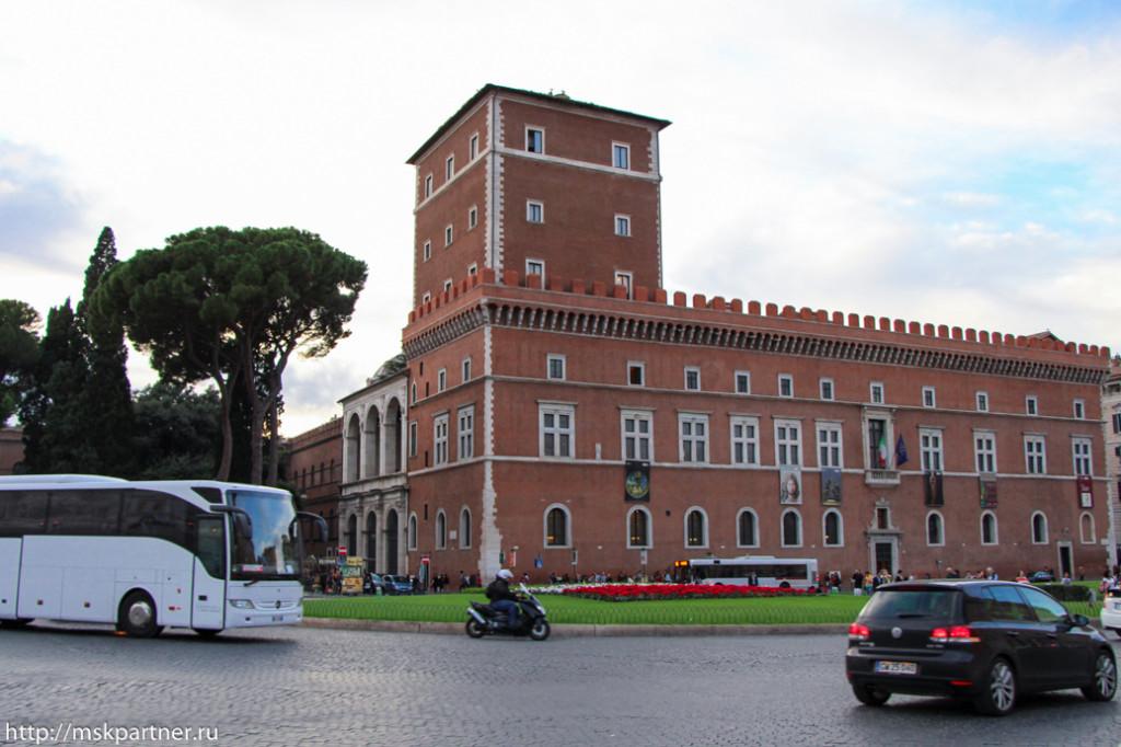 Плошадь Венеции, Рим, достопримечательности