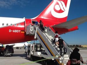 Посадка на самолет, Опоздала на самолет