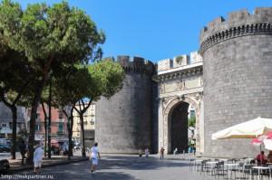 Достопримечательности Неаполя, Неаполь